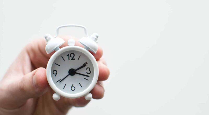 persoon met timer